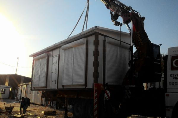 İzmir konteyner'de bize sormadan karar vermeyiniz.Montaj-taşıma-kurulum-nakliye dahil Demirel prafabrik'te
