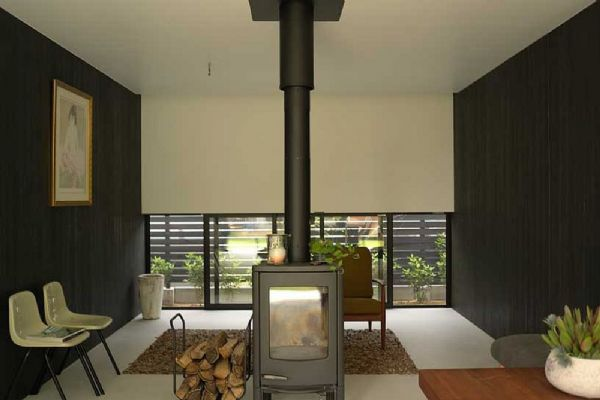 Prefabrik evlerde ısınma aynı betonarme evlerde olduğu gibi birçok farklı yolla sağlanabilir.Bunlar: -Doğalgaz -Klima -Bacalı odun/kömür sobası(özel baca gerektirir)  -Güneş enerjisi -Elektrikli sobadır Kaliteli ve güzel malzeme ile ısı yalıtımlı yapılan prefabrik evlerimiz aynı normal betonarme evler gibi ısı verimliliği sağlamaktadır. Özel baca yapıldığı takdirde soba kurulumuna da imkan sağlamaktadır. Güneş alan bir konumdaysanız güneş enerjisinin avantajlarından da yararlanabilirsiniz. Prefabrik evlerimizi gönül rahatlığıyla tercih edip kaliteli bir yaşam sürdürebilirsiniz.  Detaylı bilgi için bir telefon uzağınızdayız!   0545 548 35 35